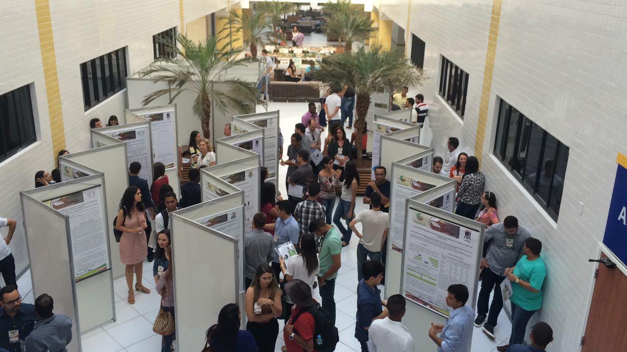 A Reunião contou com mais de 250 participantes entre pesquisadores, professores e estudantes, além de 290 trabalhos inscritos.